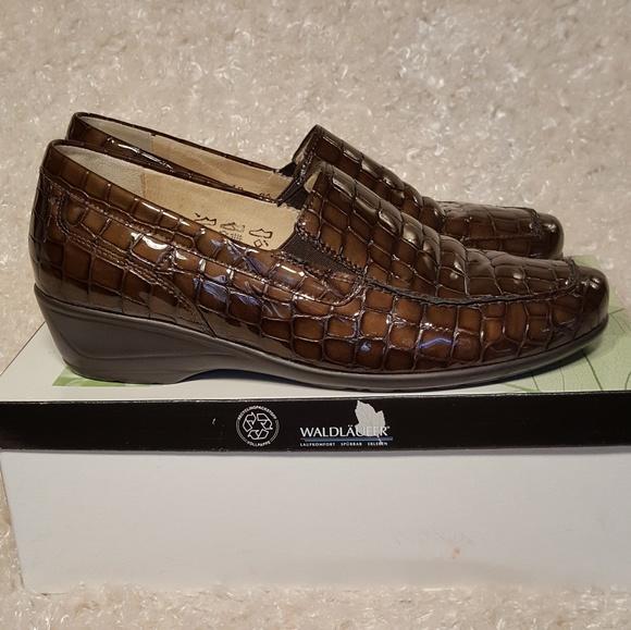 ffaf4e98 Waldläufer Shoes   Waldlufer Helika Brown Patent Leather Loafers ...